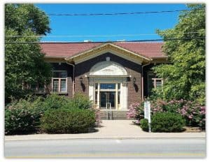 exterior photo of marion carnegie library